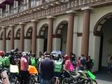 Protestan por falta de atención médica a repartidor